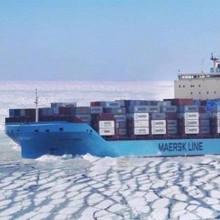 Maersk lanza un viaje experimental para cruzar el Ártico con contenedores
