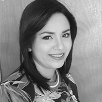 Mónica Urbina
